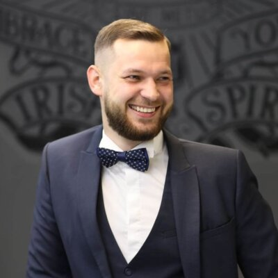 Максим Олейник